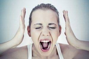 Нарушение работы голосовых связок доставляет много неприятностей