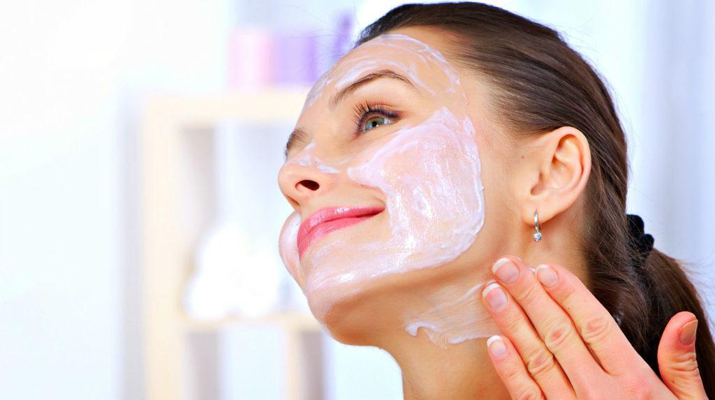 Кефирная маска с янтарной кислотой для лица от морщин