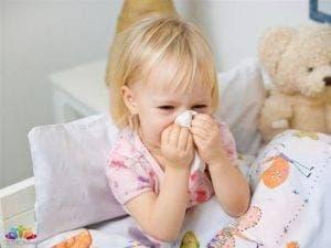 Болеющая девочка